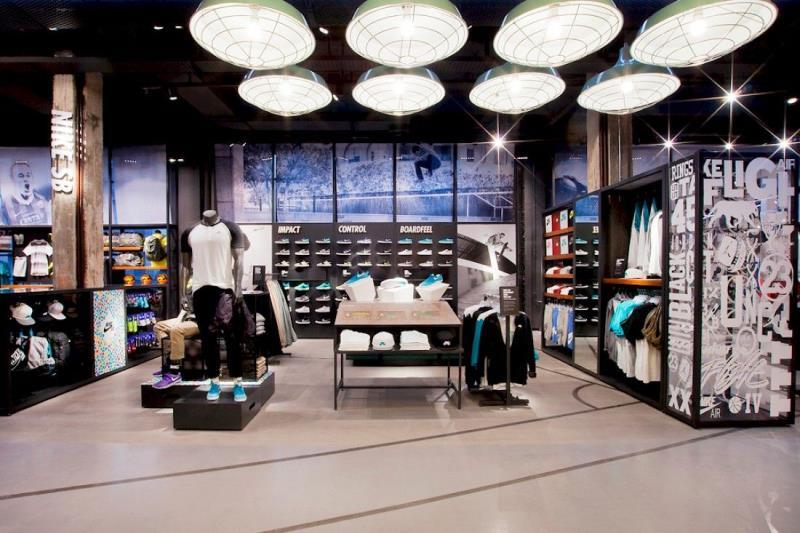 Nike se alía con El Corte Inglés para abrir una nueva megatienda en Sol -  Tradesport 756951ec538